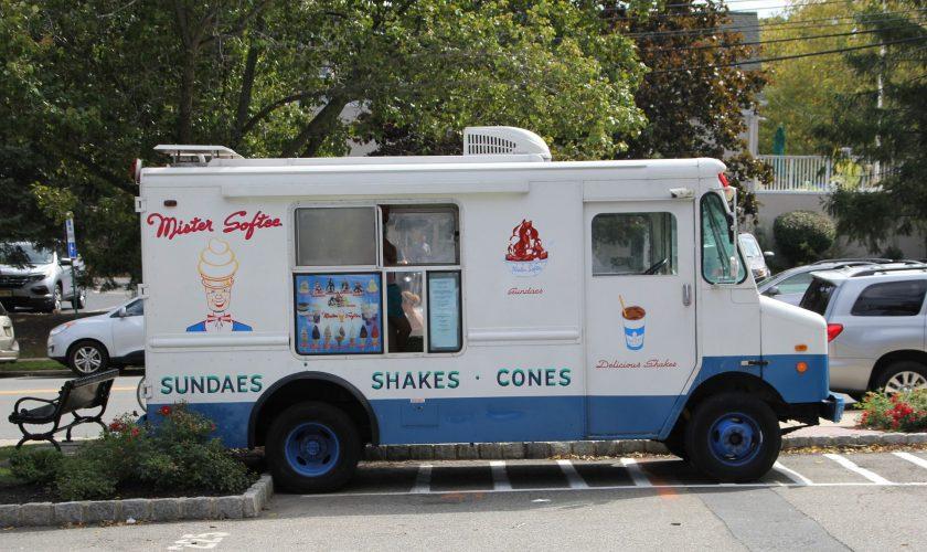 food-truck-1662327_1920-58389fc55f9b58d5b1e04d3d