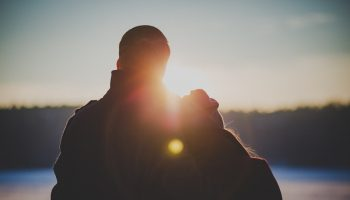 couple-date-lens-flare-40525